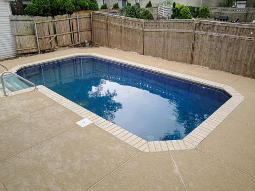 pool deck 2009 014